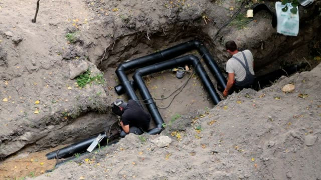Construction of a pipeline for water supply at home.