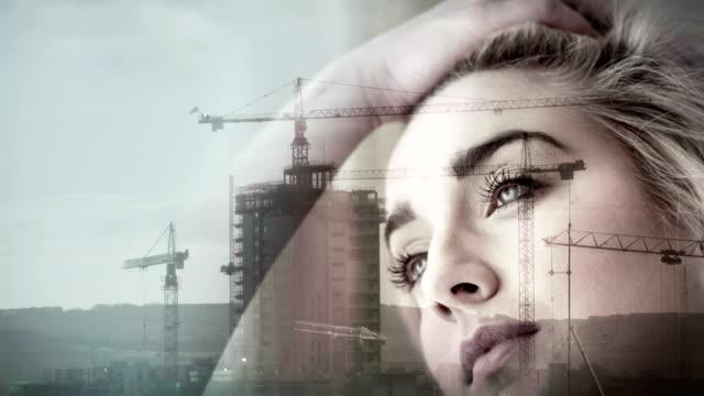 vídeos de stock e filmes b-roll de sobreposição de construção de pensamento de rapariga - obras em casa janelas