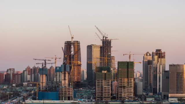 t/l zi construction projects at edge of downtown / beijing, china - intelaiatura video stock e b–roll