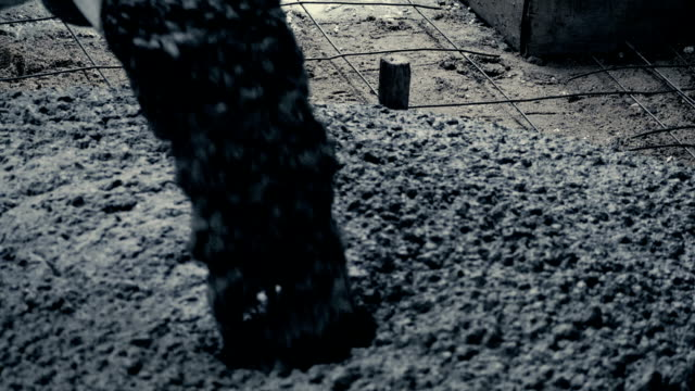 construction worker - бетон стоковые видео и кадры b-roll