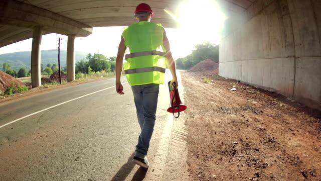 建設作業員、メガ ビデオ