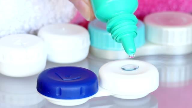 vídeos de stock e filmes b-roll de contact lenses for better eyesight - contacts
