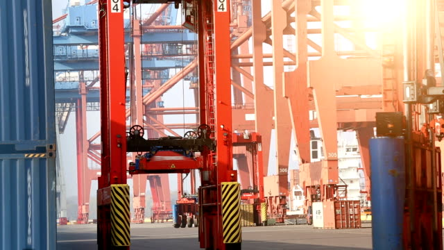 Containerbeladung, Zeitraffer – Video