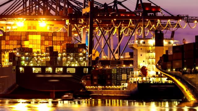 container-terminal - hafen stock-videos und b-roll-filmmaterial