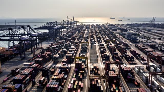 vídeos de stock, filmes e b-roll de operação de terminais de contêineres - vinho do porto