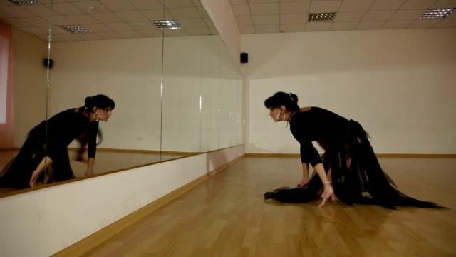 現代的なダンスパフォーマンス ビデオ