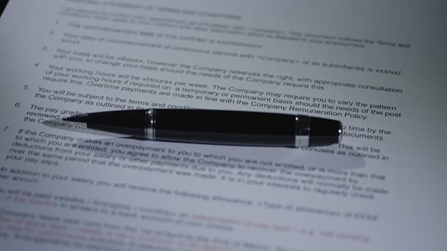 vidéos et rushes de contrat - notaire