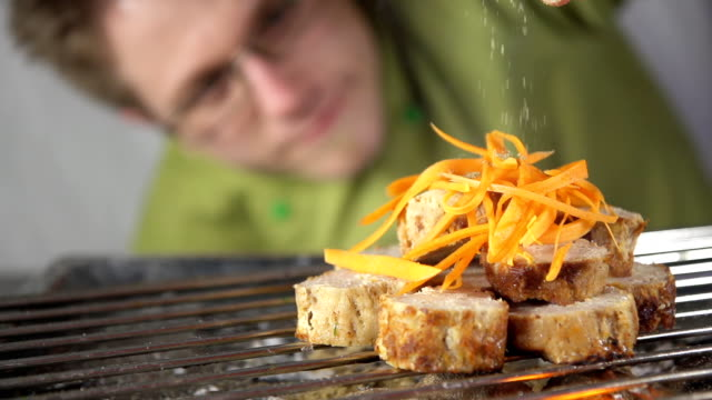 SLO MO Cook Seasoning The Grilling Steak video