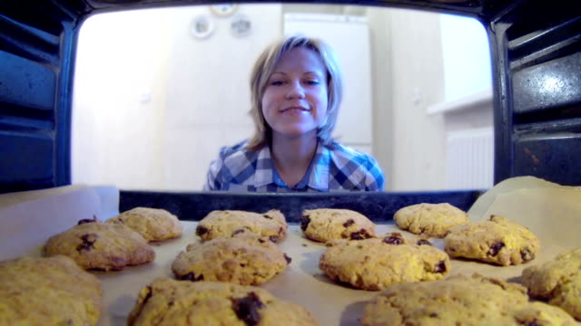 HD - Cookies in the oven HD - Cookies in the oven cookie stock videos & royalty-free footage