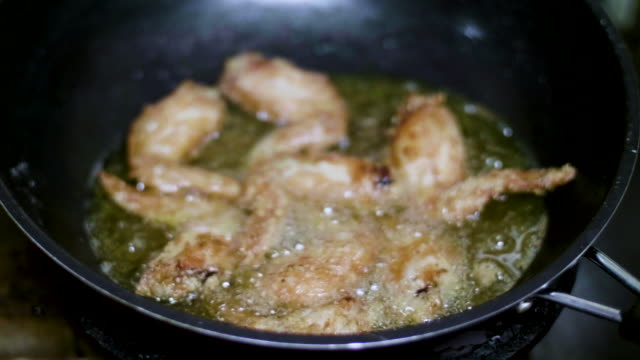 CU : Cooking Fried Chicken video