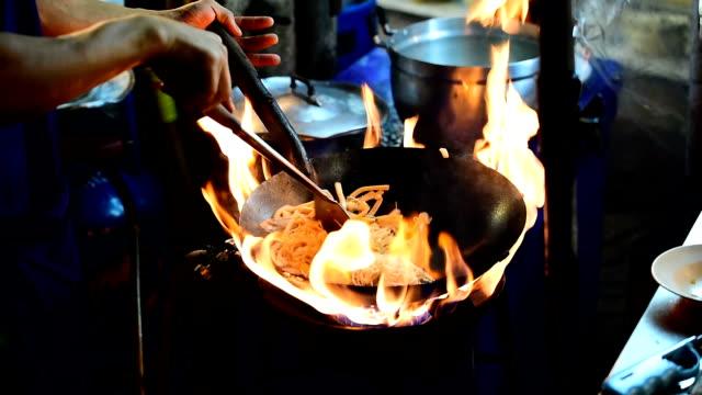 Cooking noodles video