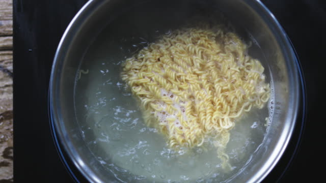 Cooking Ramyun video