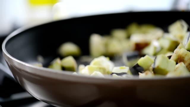 cooking vegetables in pan video