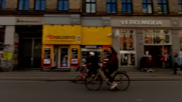copenhagen nørrebro vi synced series right view driving process plate - копенгаген стоковые видео и кадры b-roll
