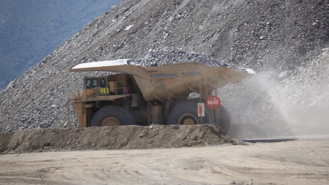 Copper mine Dumptruck video