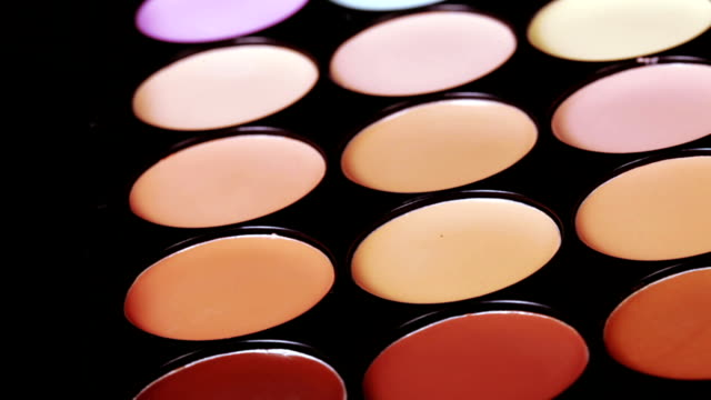 Cosmetic concealer video