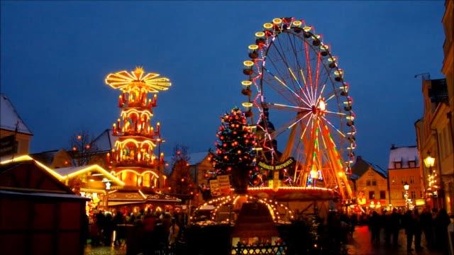 cottbus christmas market - weihnachtsmarkt stock-videos und b-roll-filmmaterial