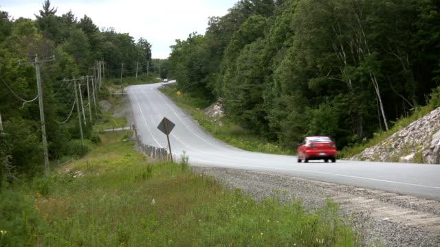 paese autostrada. - passare davanti video stock e b–roll