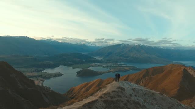 Video Couple at mountain Roy peak