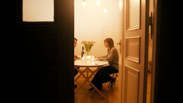 stockvideo's en b-roll-footage met paar vechten op het diner - couple fighting home