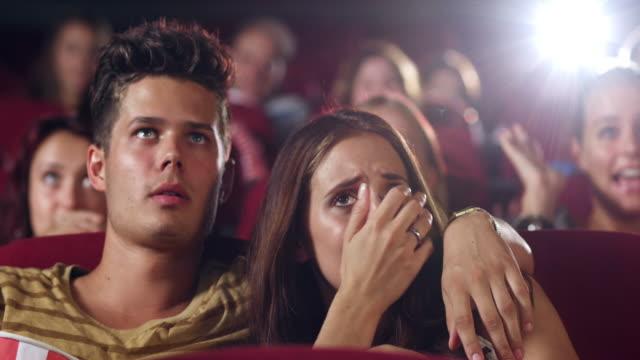 couple in cinema - fruktan bildbanksvideor och videomaterial från bakom kulisserna