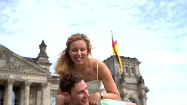 Couple playing in front of The Reichstag video