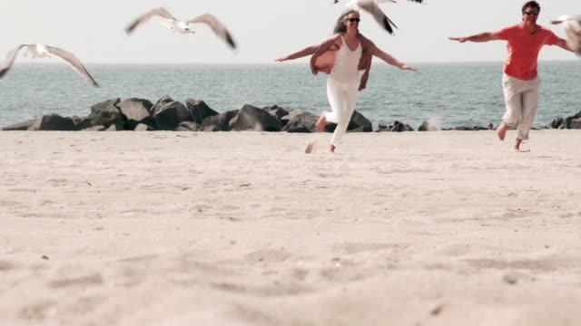 MONTAGE - Couple LA Venice California Beach video