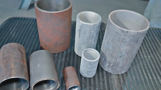 Couplings for tubing. thread on the couplings.