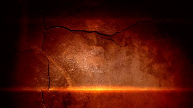 vídeos de stock, filmes e b-roll de rachado parede e de luz mágico - wall texture