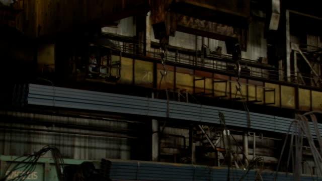 Crane gruzyaschy metal blanks video