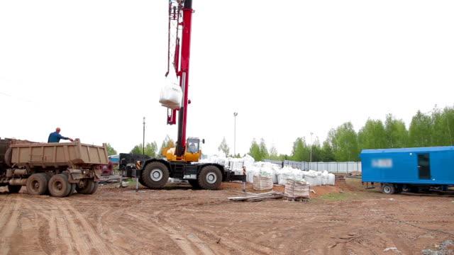 Crane charges chimie sac - Vidéo
