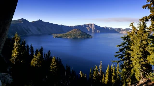 lago di cratere blu - brent video stock e b–roll