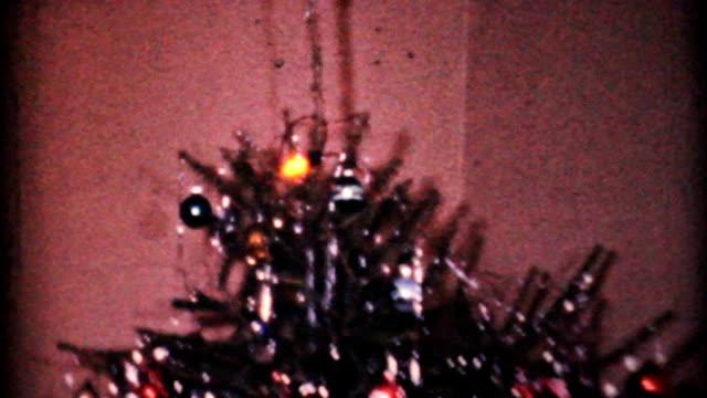 Crazy Christmas Dolls Under The Tree-1964 Vintage 8mm film