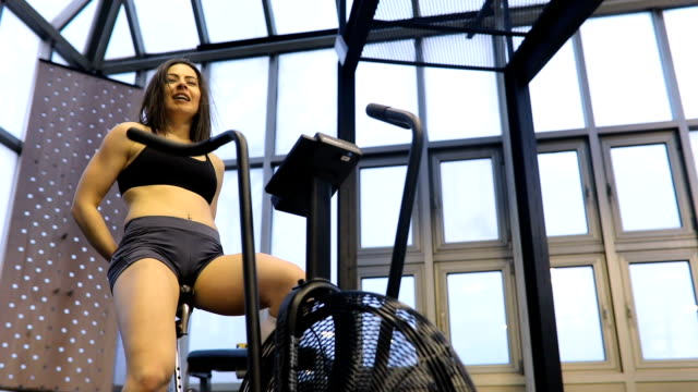 erstellen einen perfekten körper - fitnesskurs stock-videos und b-roll-filmmaterial