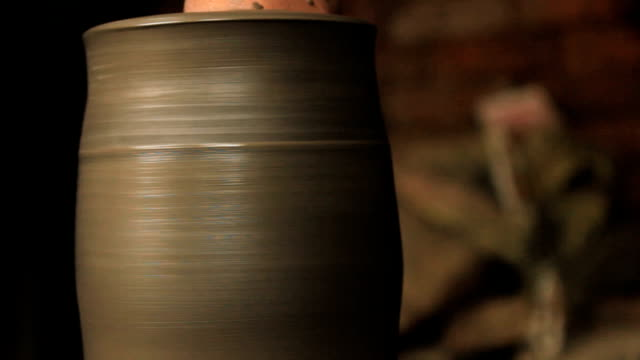 Creation of a clay pot. video