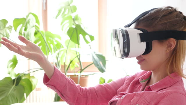 Creative Businesswoman Using VR Glasses In Office. video