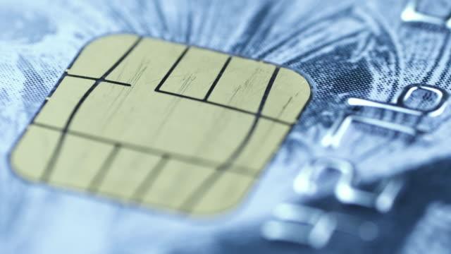 credit card chip rotating - credit card filmów i materiałów b-roll