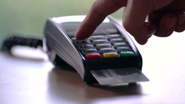 4k credit card payment, buy, sell & shopping products & service dolly shot - credit card filmów i materiałów b-roll