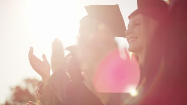 credit where credit is due - celebrazione della laurea video stock e b–roll