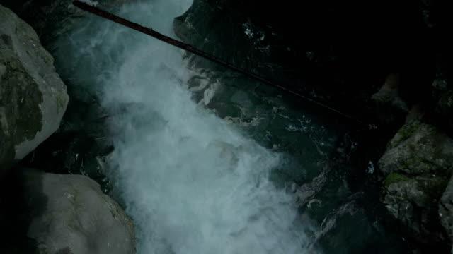 クリーク滝イタリア アルプス - チロル州点の映像素材/bロール