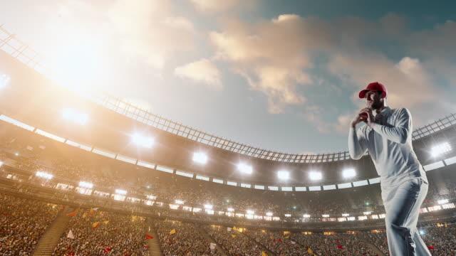 vídeos y material grabado en eventos de stock de bateador de críquet en el estadio - críquet