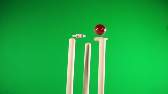 Cricket Wickets Bowled out - White Stumps, Flashing Bails Green Screen Chromakey video