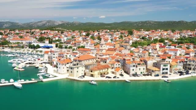kroatien, adriatiska kusten, kuststaden pirovac - stenhus bildbanksvideor och videomaterial från bakom kulisserna