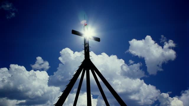 cross och sön 2 - gud bildbanksvideor och videomaterial från bakom kulisserna
