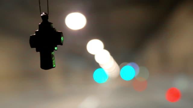 cross i bilen - korsform bildbanksvideor och videomaterial från bakom kulisserna