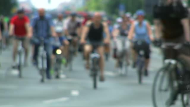 Crowd - cycling video