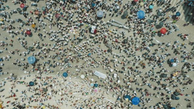 mexico city'de kalabalık yürüyüşü - kalabalık kişi sayısı stok videoları ve detay görüntü çekimi