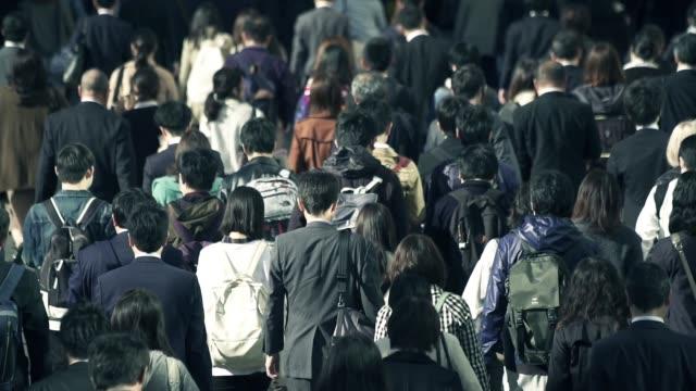 仕事で、実業家の群衆 - 列車点の映像素材/bロール