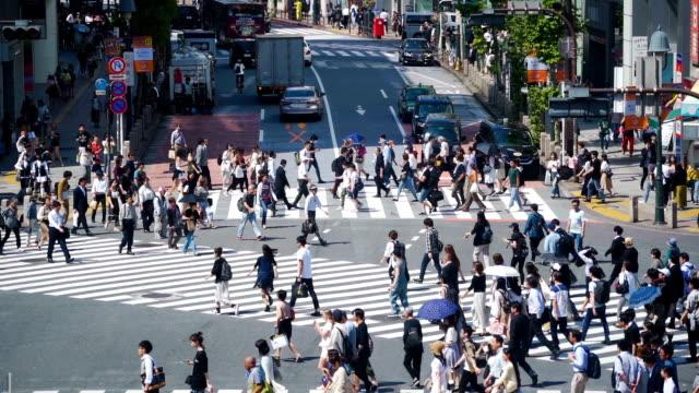 日本涉谷過境點上的 slomo tu 人群。 - 澀谷交叉點 個影片檔及 b 捲影像