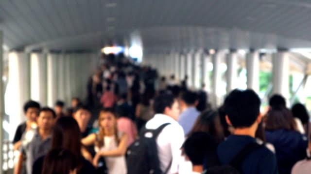 通路、時間の経過に群衆。 - 展示会点の映像素材/bロール